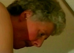 Kleinzoon woont oma anaal uit met zijn zaad knuppel