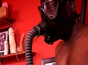 Breathplay en gasmasker training door fetish goddess